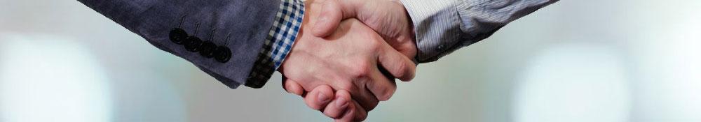 Anrede und Begrüßung korrekt zu beherrschen ist wichtig für einen überzeugenden Auftritt