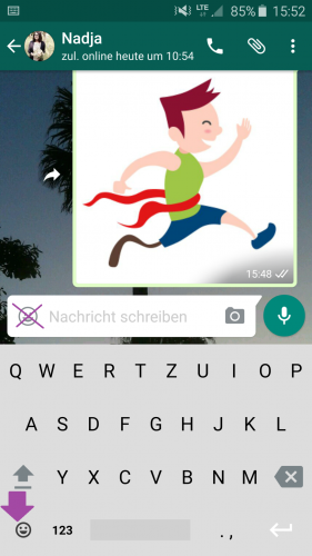Über die Tastatur Ihres Handys können Sie nun auf die inklusiven Emojis zugreifen und per WhatsApp versenden