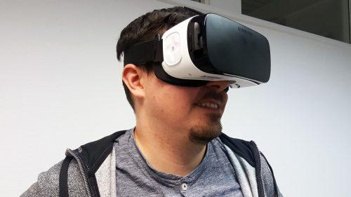 Mit der VR-Brille kann man Dinge tun, die ich in der realen Welt nicht erleben kann. Trotzdem ist das Seherleben mit der VR-Brille noch recht unscharf