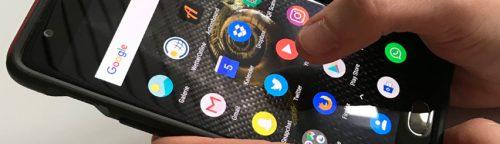 Jugendliche besitzen fast alle ein Smartphone und gehen darüber ins Internet. Welche Social Media Dienste am meisten genutzt werden, darüber gibt die JIM-Studie 2017 aufschluss
