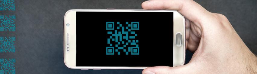 Smartphone: Zeigt einen QR-Code auf einem Smartphone-Display