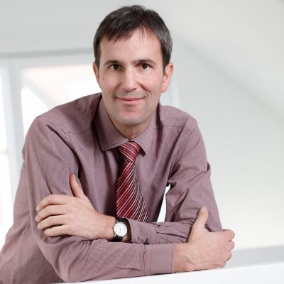 Dr. Thomas Ebinger ist Dozent für Konfirmandenarbeit